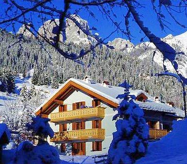 residence-villa-artic-campitello-wintersport-italie-ski-snowboard-raquettes-scgneeschuhlaufen-langlaufen-wandelen-interlodge.jpg