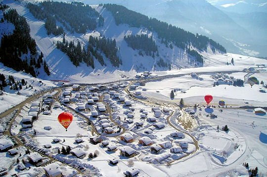 les-saisies-ballonnen-wintersport-frankrijk-ski-snowboard-raquettes-schneeschuhlaufen-langlaufen-wandelen-interlodge.jpg