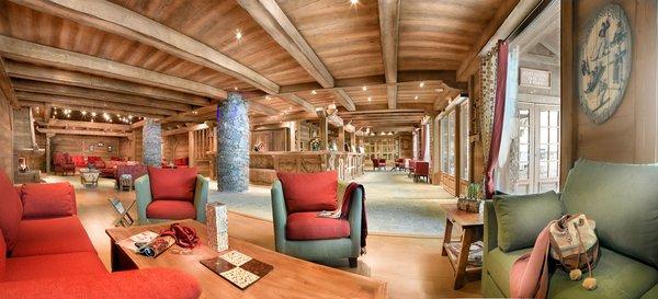 residence-les-fermes-de-sainte-foy-receptie-wintersport-frankrijk-ski-snowboard-raquettes-langlaufen-wandelen-interlodge.jpg