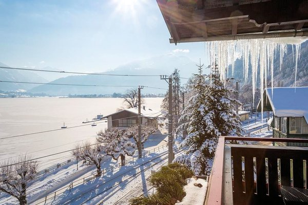 uitzicht-hotel-seehof-zell-am-see-wintersport-oostenrijk-interlodge.jpg