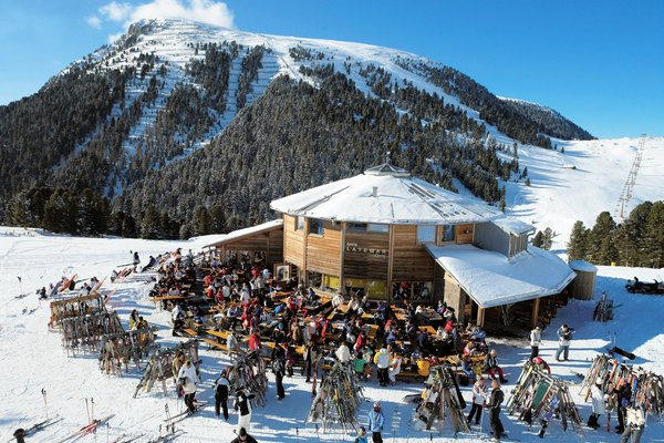 apres-ski-val-di-fiemme-wintersport-italie-interlodge