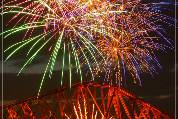 forth rail bridge fireworks by 21CC Fireworks Ltd