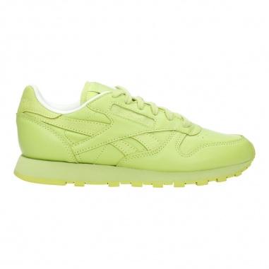 INSTYLIO peste 3000 pantofi şi îmbrăcăminte Nike, New