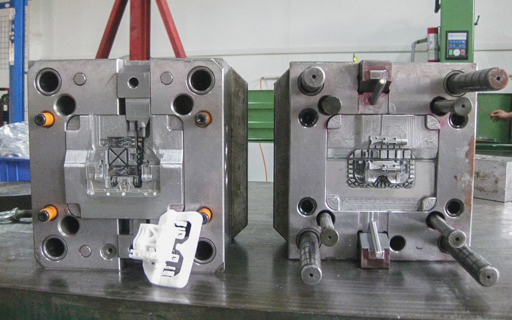 An industrial mold design for producing a tens of thousands of parts number of plastic parts