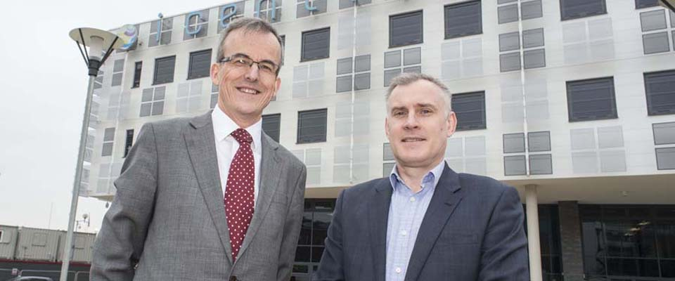 The new iCentrum centre from Innovation Birmingham is opened at Faraday Wharf. L-R Dr David Hardman; Innovation Birmingham and Craig Tatton; Thomas Vale Construction.
