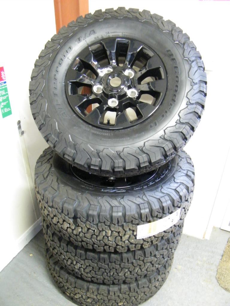 Black Friday Deal Three! 1 Set of Black Sawtooth Wheels with