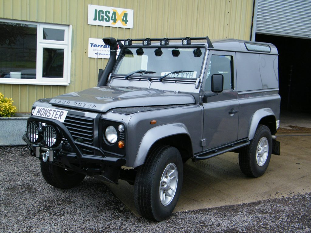 land rover defender 2 4 tdci puma monster tuning remap. Black Bedroom Furniture Sets. Home Design Ideas