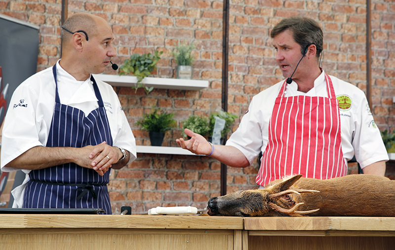 The Field Kitchen Theatre with chefs Jose Souto and Mike Robinson.