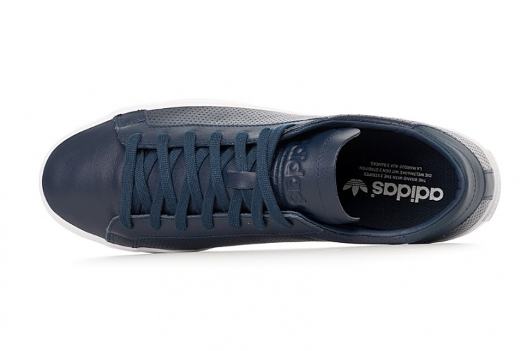 adidas-court-vantage