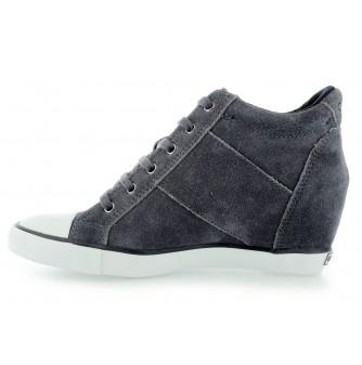 calvin-klein-jeans-voss-suede-ebony
