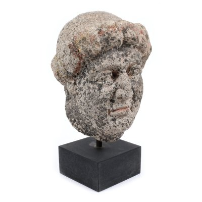 Fragment de statuetă romană, reprezentând un cap de bărbat, parțial pictat, sec. V