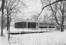C:\Users\newman\Desktop\Mies_van_der_Rohe_photo_Farnsworth_House_Plano_USA_1_副本.jpg
