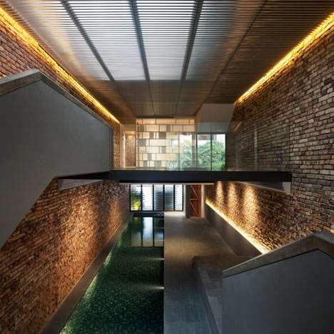C:\Users\Admin\Google Drive\Theories of Architecture and Urbanism [ARC3233]\Project 2\dezeen_Pool-Shophouse_3.jpg