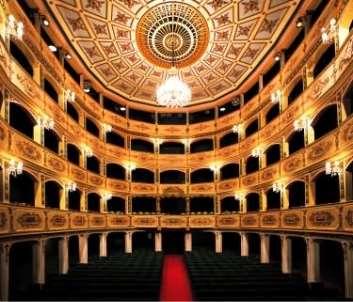 http://www.maltesering.com/images/manoel_theatre_1.JPG