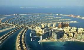 http://static.guim.co.uk/sys-images/Guardian/Pix/pictures/2009/12/21/1261422507673/Dubais-Palm-Island-Dubai--001.jpg