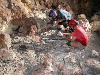 http://www.caveslime.org/kids/cavejourney/Images/Cave-Journey/VillaLuzSpring.jpg