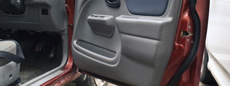 Reparer bildørens tætningslister