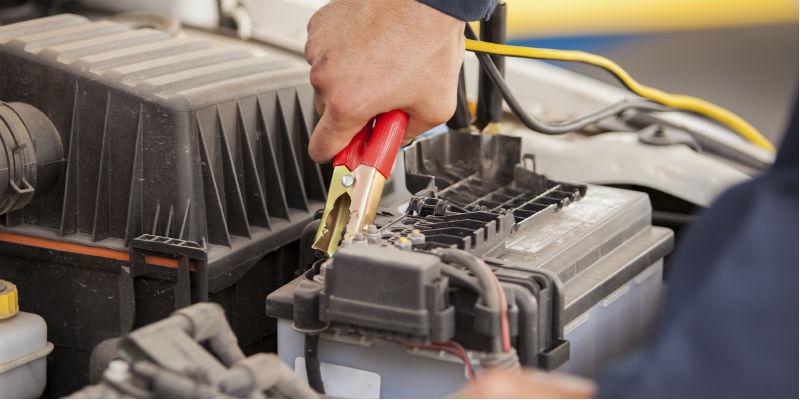 Opladning af bilens batteri