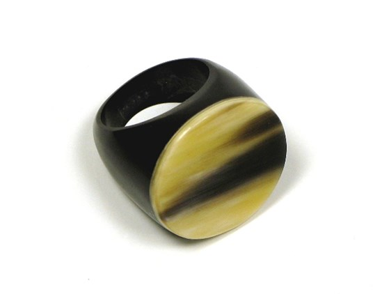 Round Polished Horn Ring