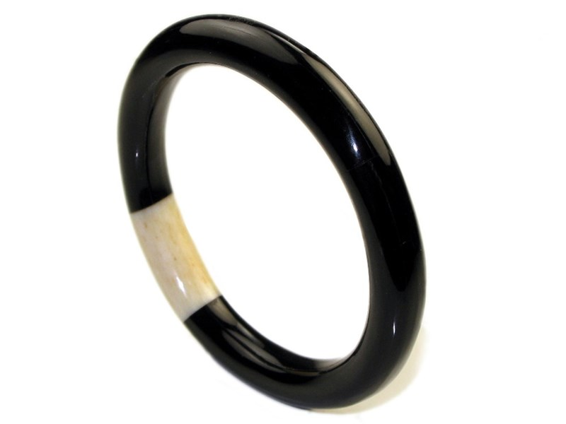 Dark Cow Horn and Bone Inset Ladies Bangle