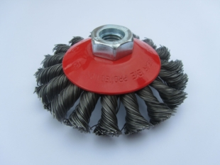 TWIST KNOT WIRE BEVEL BRUSH 60MM DIAMETER WITH M14 THREAD FOR GRINDERS