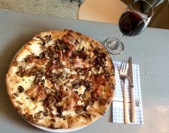 Acmbp Amsterdam Food Guide Pizza Bakker2