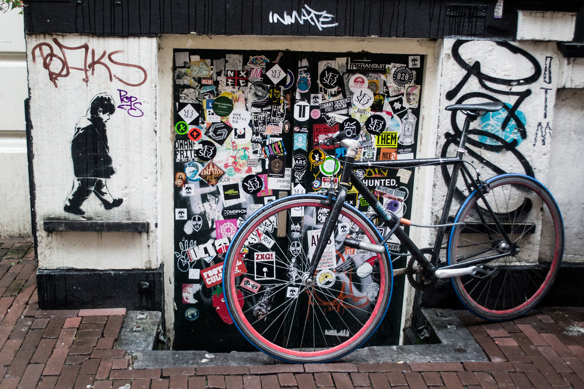 Stickers Street Art amsterdam street art with nicole | a city madepeople