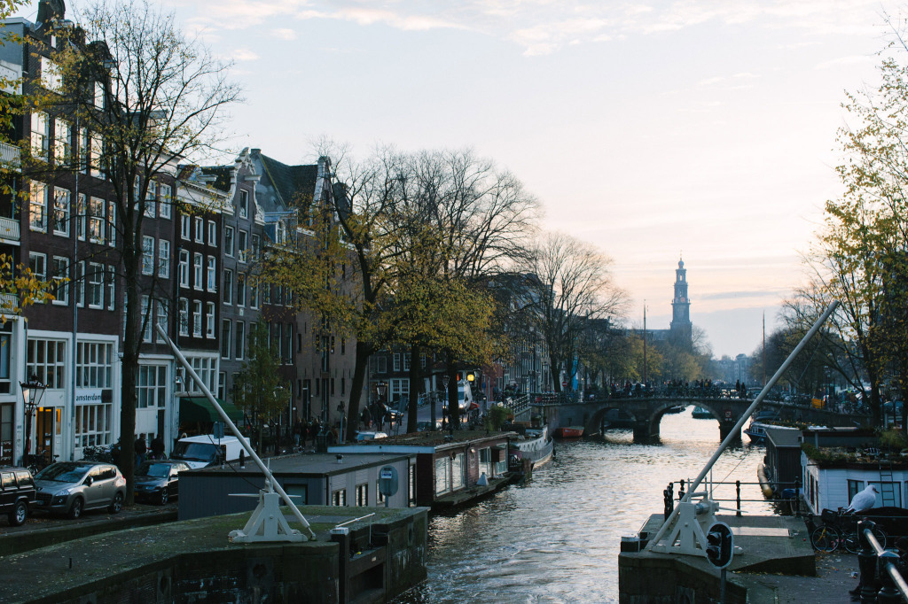 Citinerary-PUP-Milou-Neelen-by-on-a-hazy-morning-Amsterdam-LANDSCAPE-13
