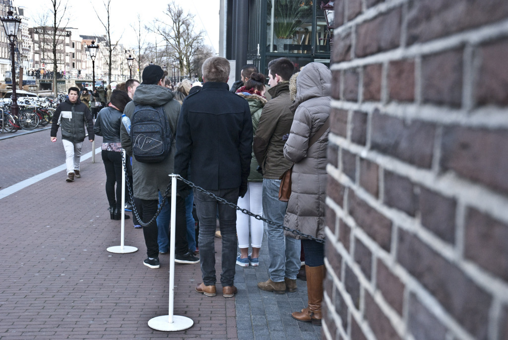 CT_Amsterdam_neverendingqueue (1)