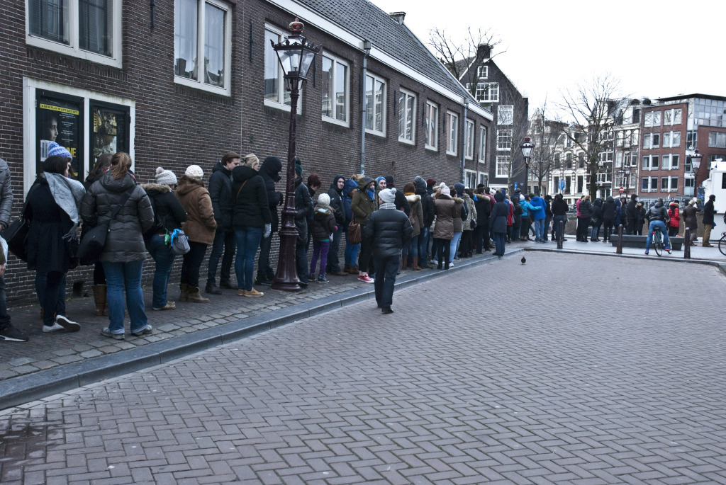 CT_Amsterdam_neverendingqueue (10)