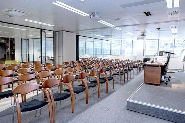 Sala de reuniones 90 personas