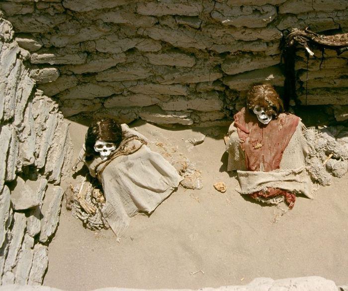 Les prétendues momies nazca extraterrestres sont en fait un gigantesque Hoax. Mutalitation de corps, destruction archéologique et profanation de sépultures.