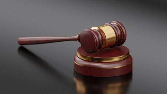 tucht-hamer-rechtbank-rechter-Pixabay-QuinceMedia