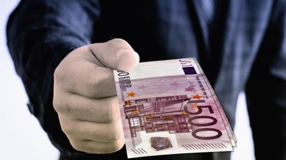 geld-biljetten-omkoping-Pixabay-Geralt