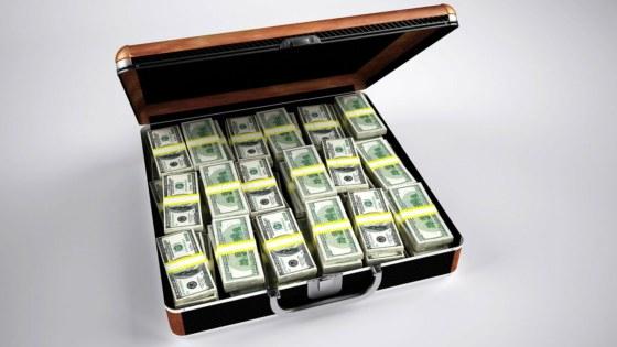 geld-koffer-tucht-financiën-pixabay-PublicDomainPictures