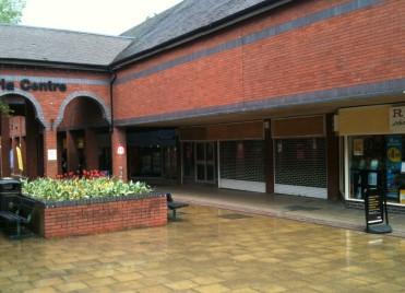 Retail shopping centre Crewe, CW1 2PU - Unit 8 Victoria Centre