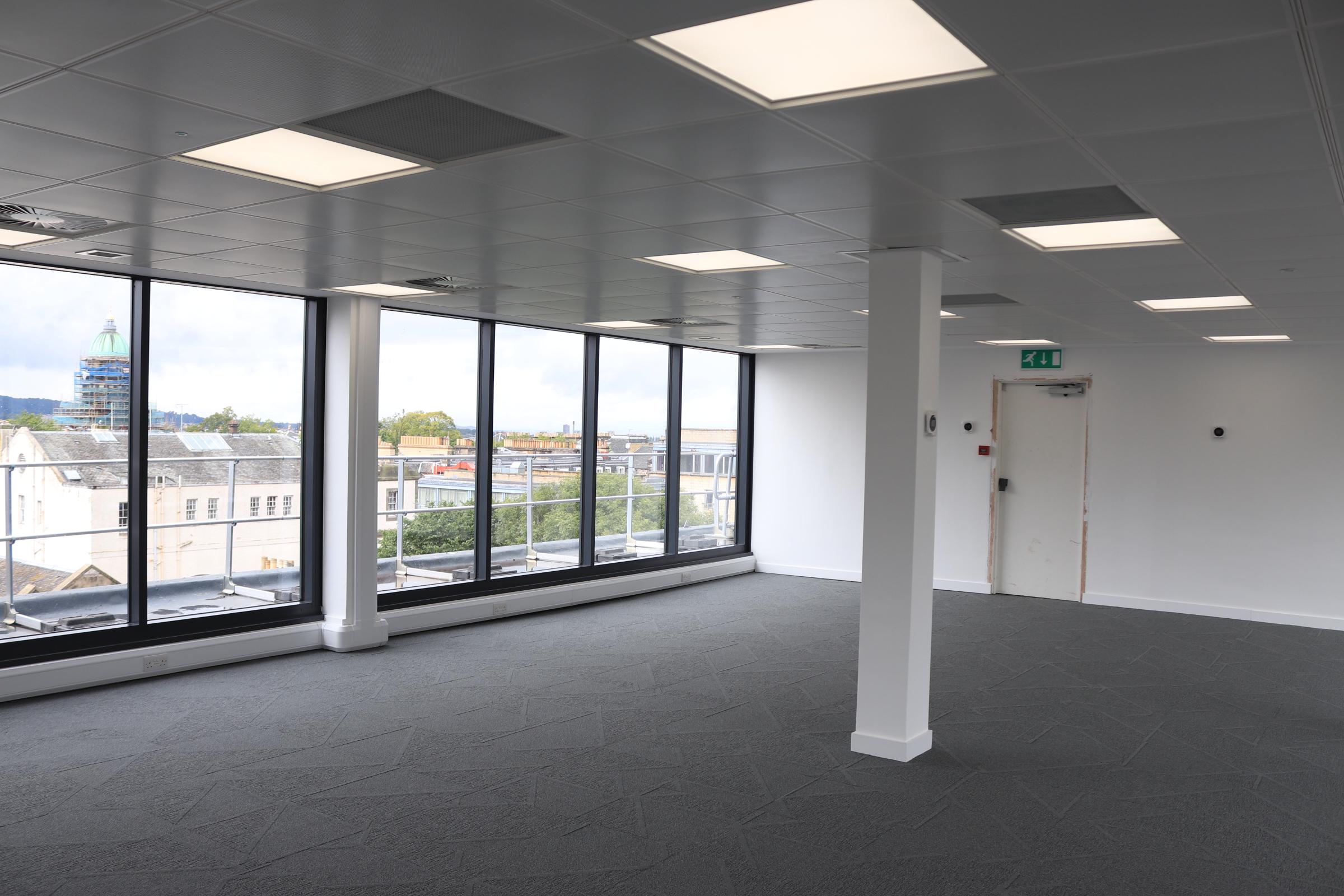 Office Edinburgh, EH2 4AD - 125 Princes Street