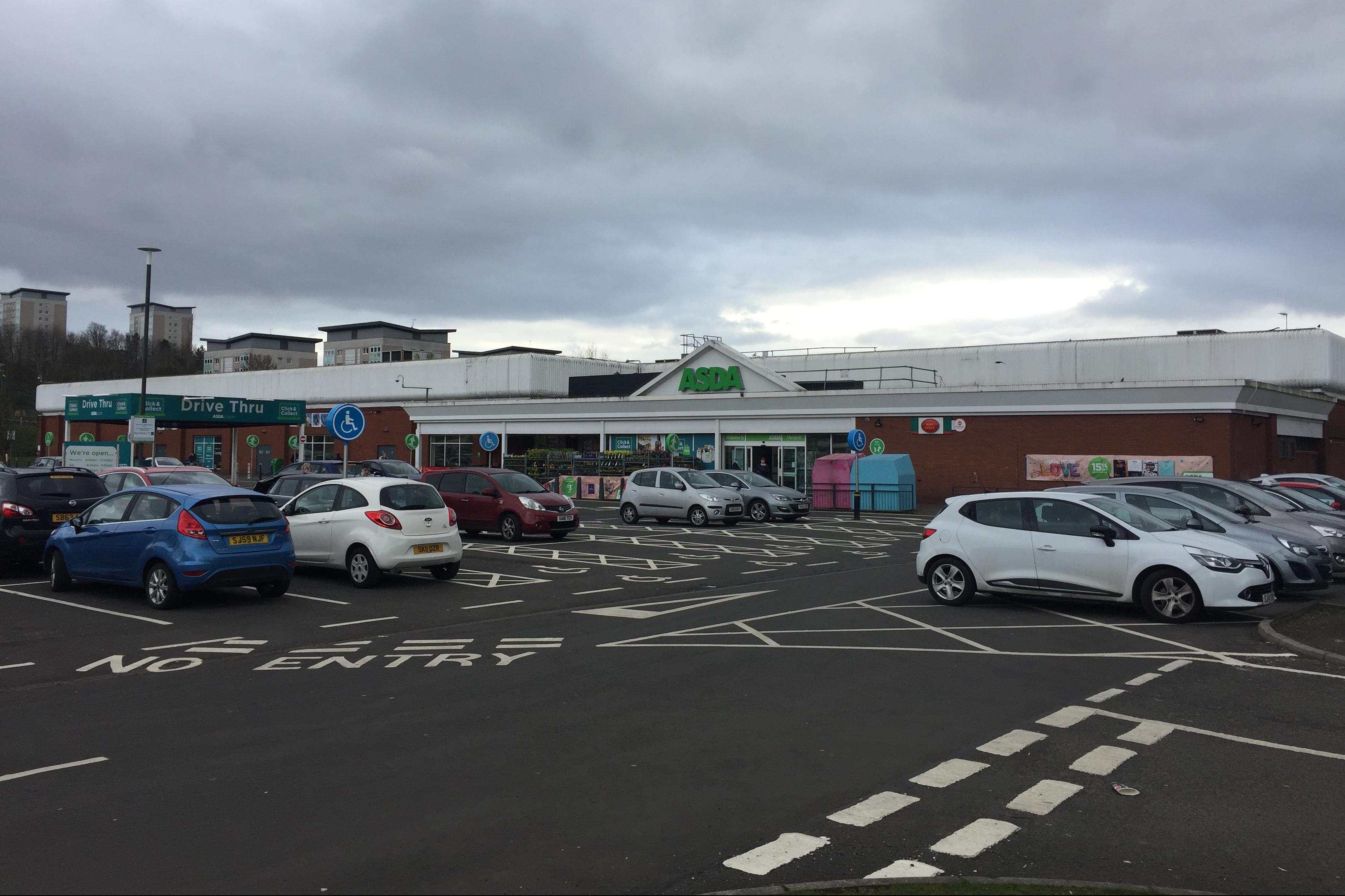 Retail shopping centre Glasgow, G23 5EZ - 20 Rothes Drive