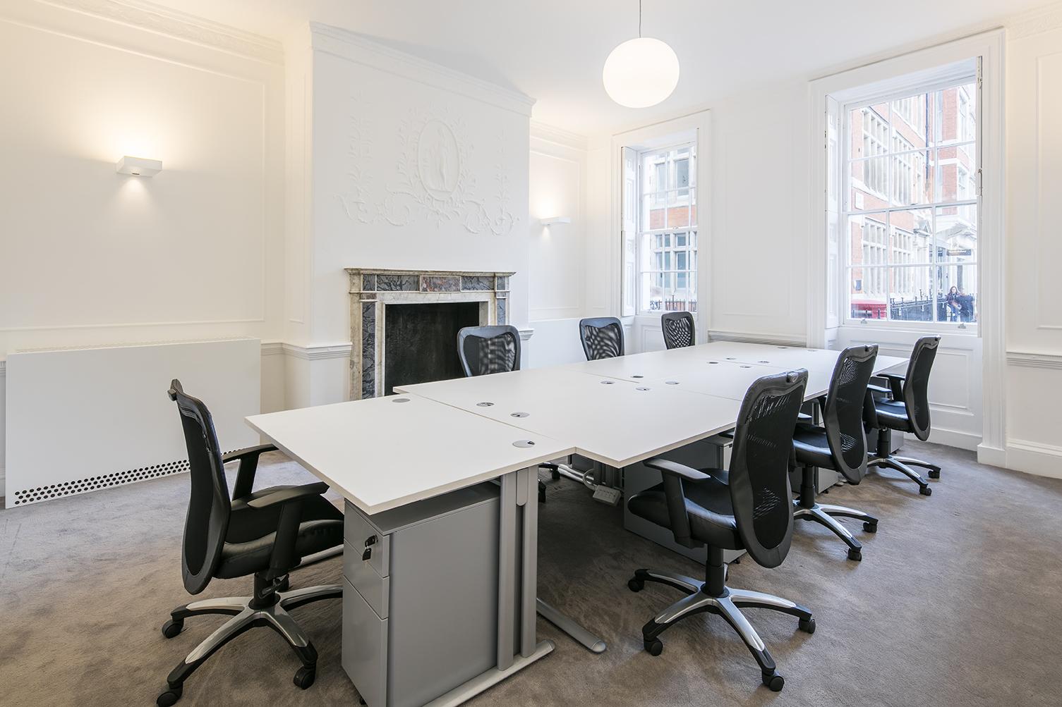 Serviced office London, W1F 9JB - 11 Golden Square