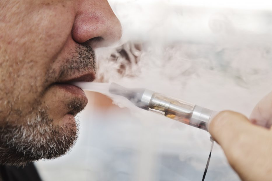 vaping ecigarettes as bad for heart as tobacco