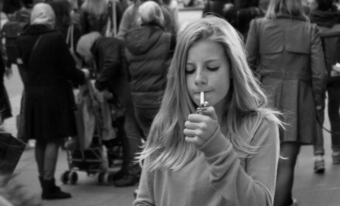 1 Girl 1 Cigarette