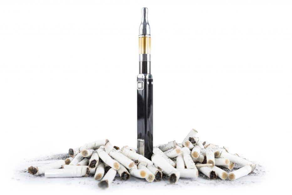 ecigarette and cigarettes