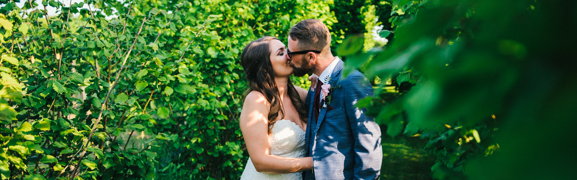 Grittenham Barn Wedding . Brighton wedding . fun wedding photography . Creative wedding photographer . Allison Dewey Photography