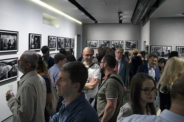 foto mostra Eolo Perfido,foto di Simone Zeffiro,Leica Store Milano