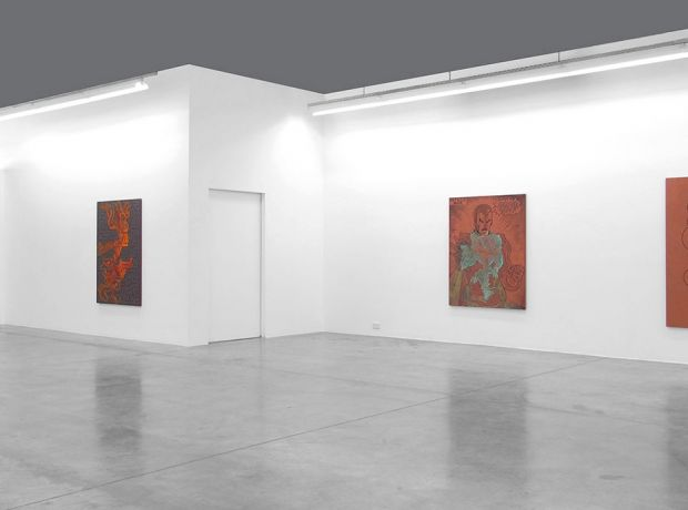 Carbon12Dubai-Installation-view-Michael-Sailstorfer-2014.jpg