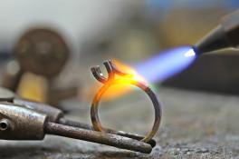 SERENE DIAMOND ROSE GOLD RING MICRO SET SHOULDERS