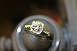 18ct gold diamond halo Engagment Ring