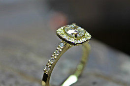 18ct gold diamond halo Engagment Ring
