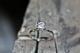 SERENE PLATINUM & DIAMOND SOLITAIRE