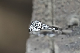 SERENE round brilliant cut & PEAR SHAPED DIAMOND RING